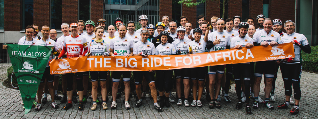 80 Telenet staff cycle The Big Ride.