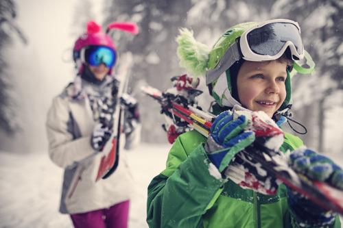 Radzimy jak wyjechać na ferie zimowe za niewielkie pieniądze