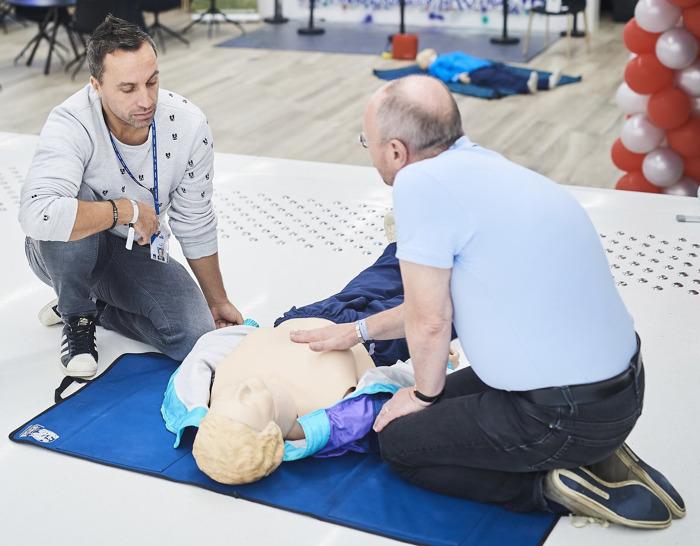 Malaise cardiaque : les gestes qui sauvent