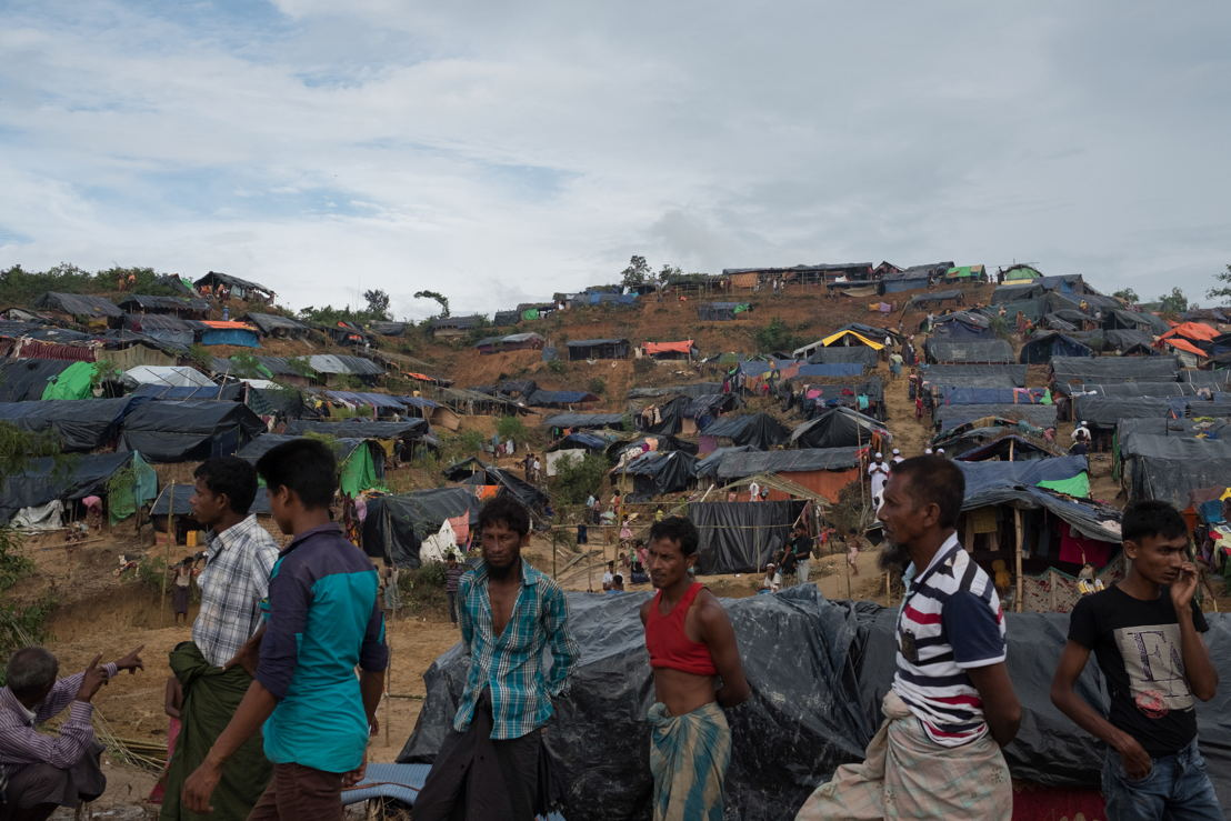정착지 안팎의 식량 확보 상황은 극도로 불안정하다. 새로 도착한 난민들은 인도적 구호 지원에 완전히 의존해 있고, 시장의 물가는 천정부지로 치솟고 있는데다, 도로도 부족해 가장 취약한 지역민들에게 접근하기도 무척 어렵다. 로힝야 난민들을 지원하는 한편 더 큰 공중보건 재앙을 피하려면, 방글라데시에 대한 인도적 지원을 대폭 확대해야 한다. Antonio Faccilongo/MSF