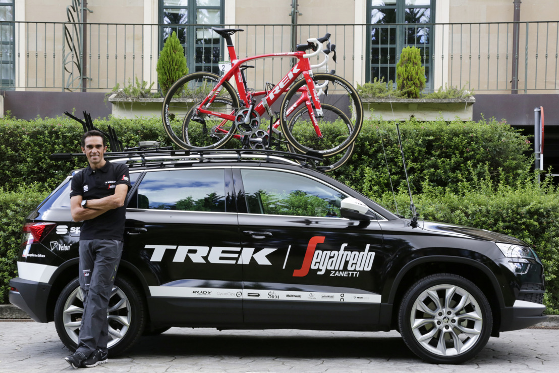New ŠKODA KAROQ accompanies Alberto Contador in today's Vuelta time trial