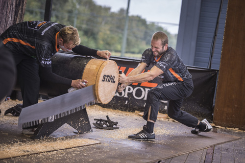 MICHAŁ « AXE MACHINE » DUBICKI SURPASSE SES CONCURRENTS ET DEVIENT LE PREMIER CHAMPION D'EUROPE VIRTUEL DE TIMBERSPORTS®