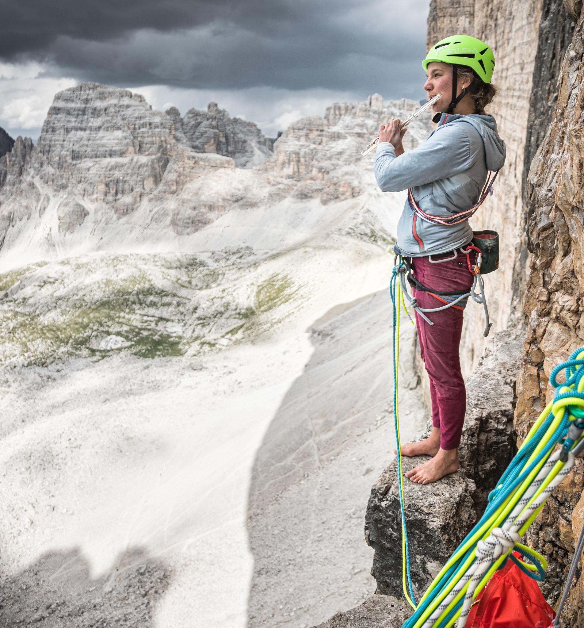 Eline Le Menestrel nelle Dolomiti - ©Storyteller Labs