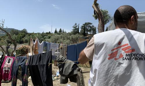 Grèce : des restrictions de mouvements injustifiées sur les îles