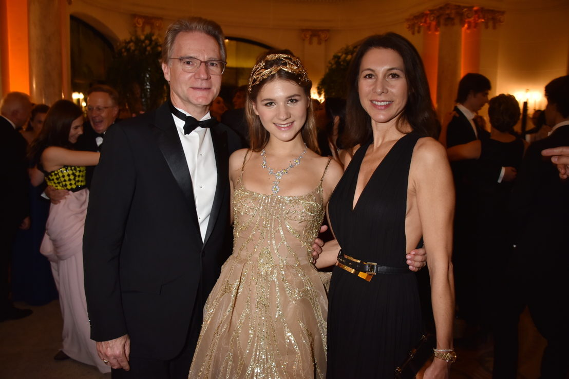 Hermine Royant (in Elie Saab in HC and jewelry by Payal New York) and her parents Olivier and Delphine Royant, Photo by Jean Luce Huré