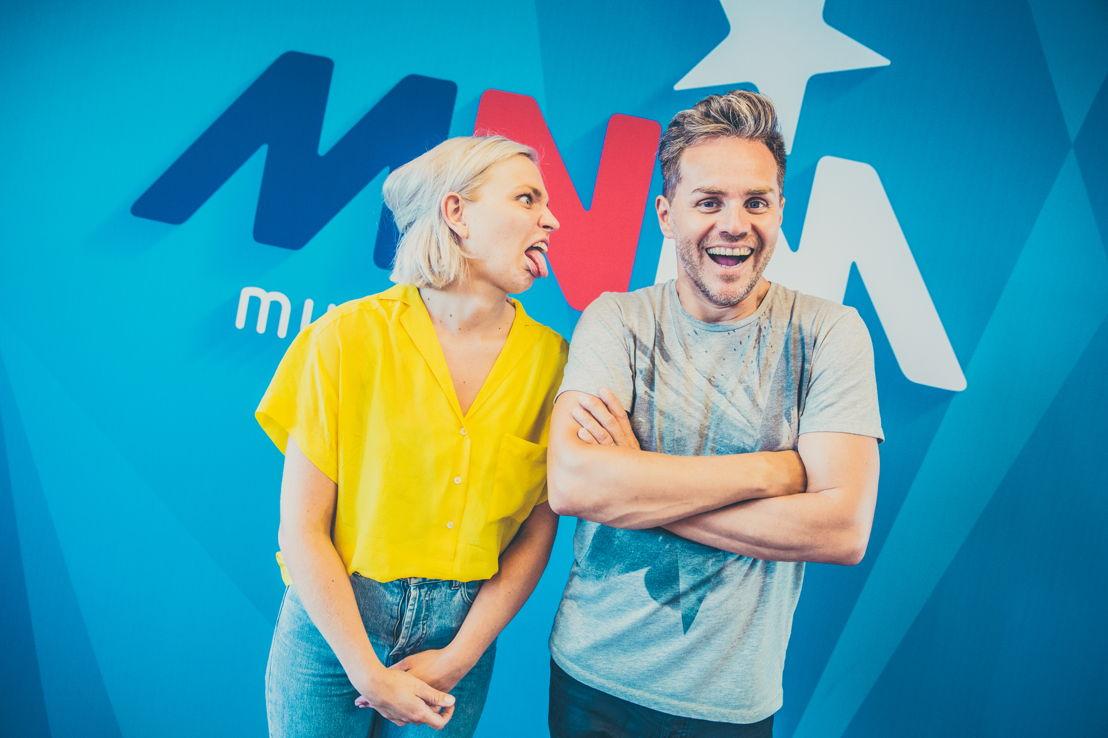 Julie Van den Steen en Peter Van de Veire - © VRT