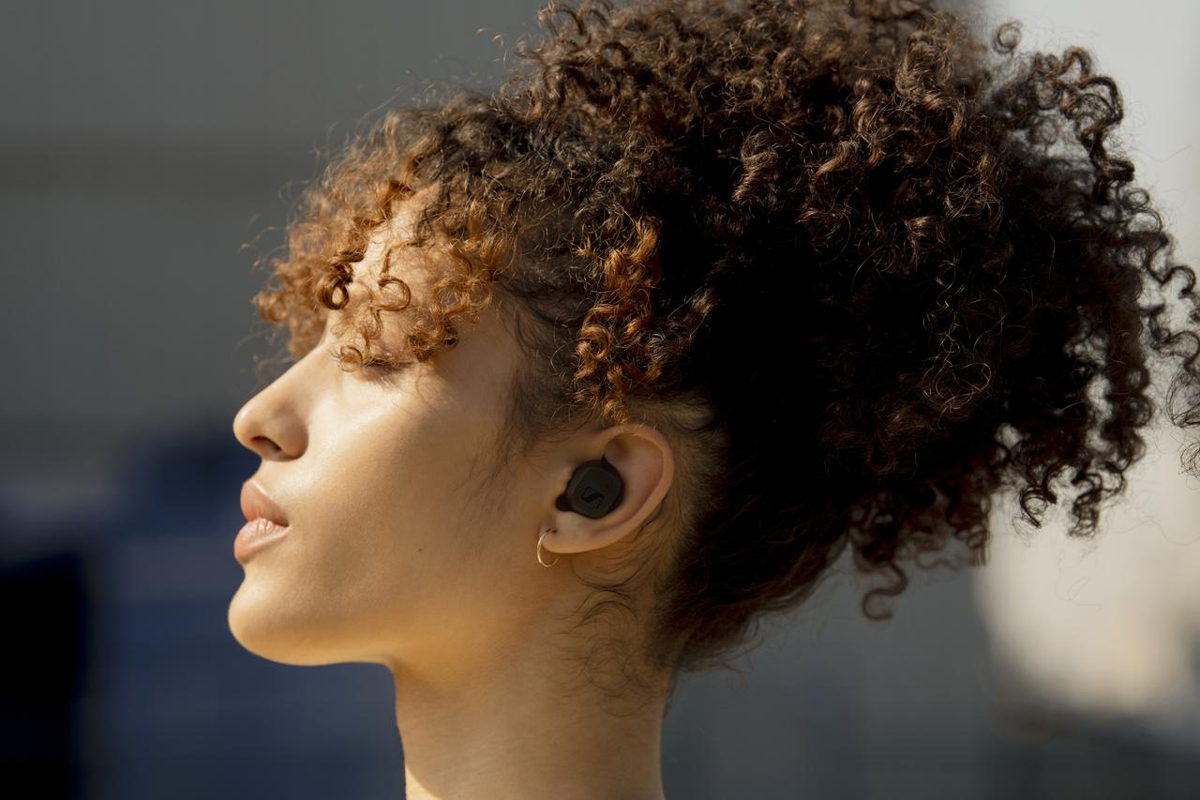 Sennheiser's new CX True Wireless earphones offer an outstanding audio experience, 9 hours of battery life and ease of use at an affordable price point