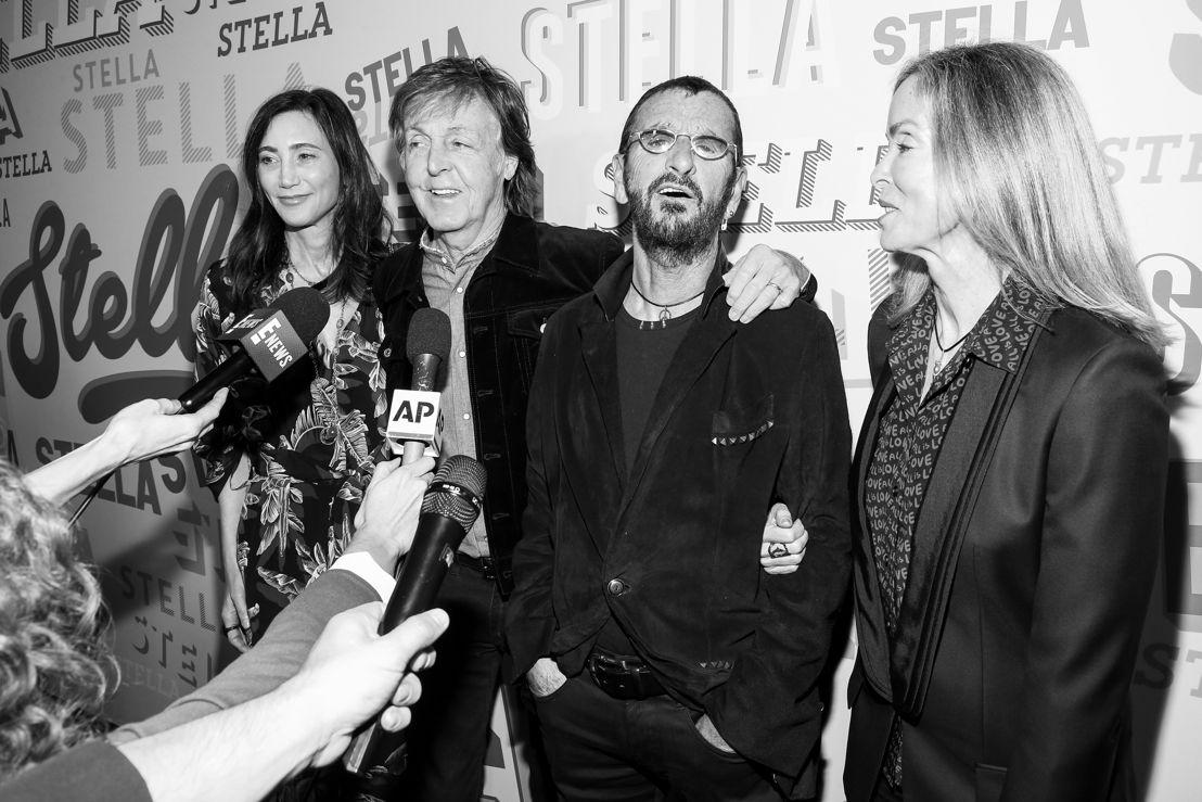 Nancy Shevelle, Paul McCartney, Ringo Starr y Barbara Bach