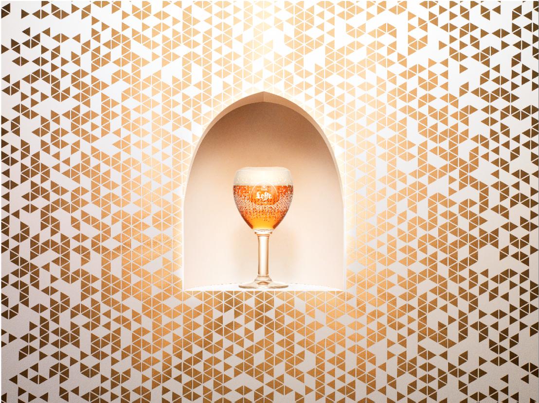 L'artiste pixelliste Charles Kaisin crée une édition limitée de l'emblématique verre Leffe