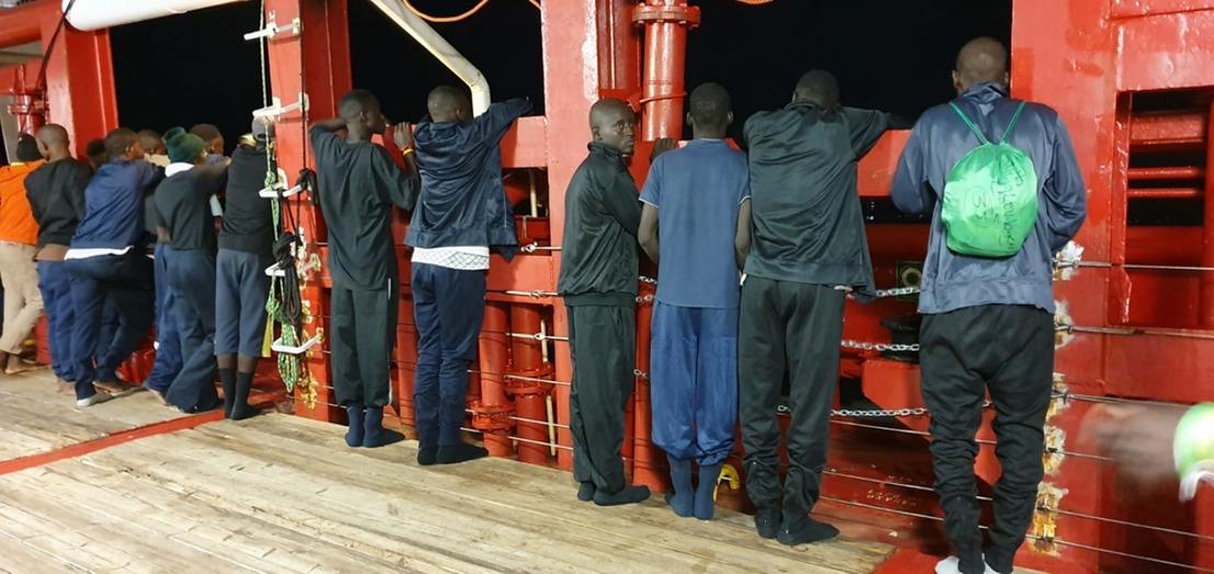 Méditerranée: les survivants de l'Ocean Viking débarquent à Lampedusa