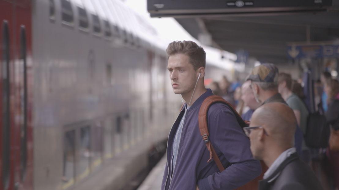 Koppen: Kafka op de trein<br/>(c) VRT