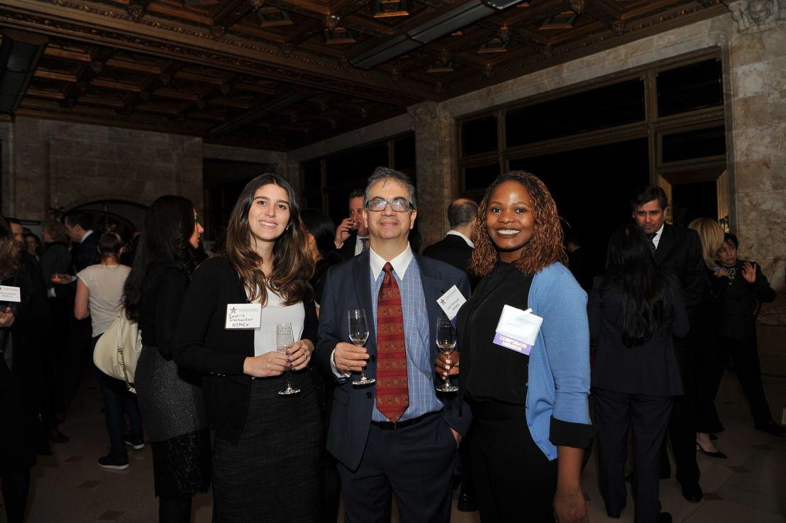 Beatriz Dauzacker, Analista Financiera de  New York Bay Capital, Julio Marquez, Socio de New York Bay Capital, y Clyte Nayigiziki, Fusiones y Adquisiciones fronterizas en New York Bay Capital