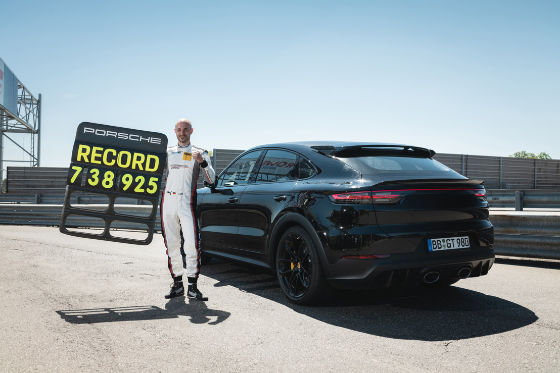 Performance Cayenne conquers the Nürburgring Nordschleife in record time