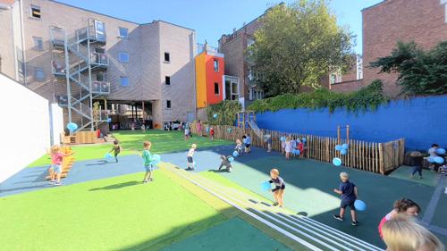 Le ministre Gatz inaugure l'école Lutgardis rénovée à Ixelles
