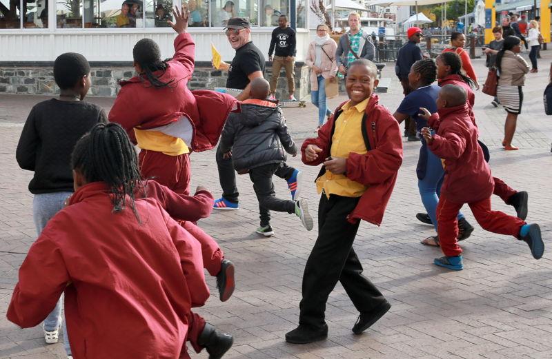 Buskers´ Festival with Dr Bucketman - credit Nardus Engelbrecht Cape Town Fringe 2016