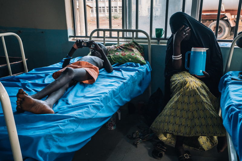 A patient being admitted in the meningitis treatment center run by MSF in Sokoto Mutalah Mohamad Hospital. Photographer: Fabrice Caterini - INEDIZ/MSF