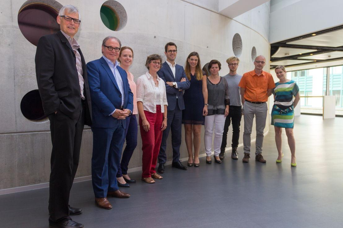 De jury. Vlnr.: Jo Keunen (BAN Vlaanderen), Walter Van Dyck (Vlerick Business School), Veerle Mertens (Agentschap Ondernemen), Elke De Rijck (Innovatiecentrum), Steven De Troyer (GIMV),  Karlien De Haes (KBC), Ingrid Willems (iMinds), Maarten Mellemans (KBC), Jan Bormans (Flanders DC) en Veroniek Collewaert (Vlerick Business School)