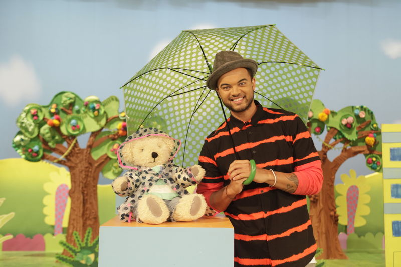 ABC KIDS' Play School's Maurice with Guy Sebastian - Play School Celebrity Covers