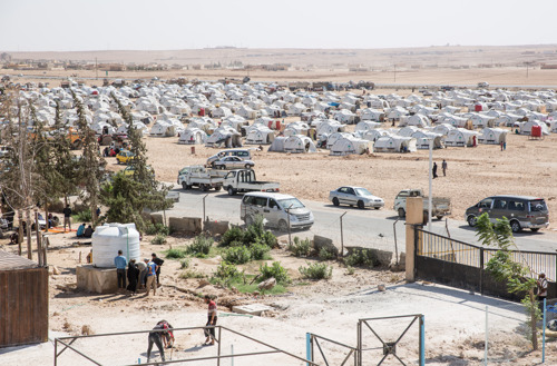 La operación militar turca en Siria provoca nuevos desplazamientos y el cierre de hospitales
