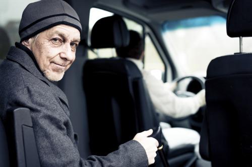 Kom op tegen Kanker vraagt grondige herziening ziekenvervoer in rapport meldcampagne