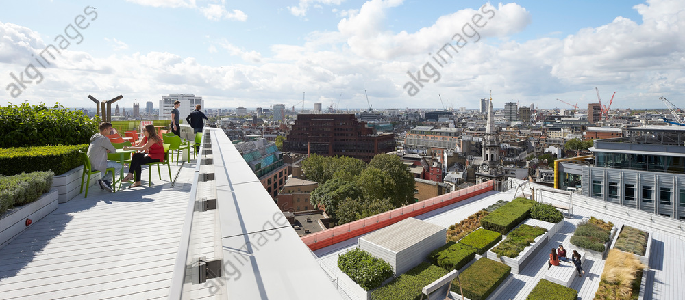 Roof terrace and garden with cityscape. Central Saint Giles, London, United Kingdom. Architect: Renzo Piano Building Workshop, 2015<br/>AKG4252447