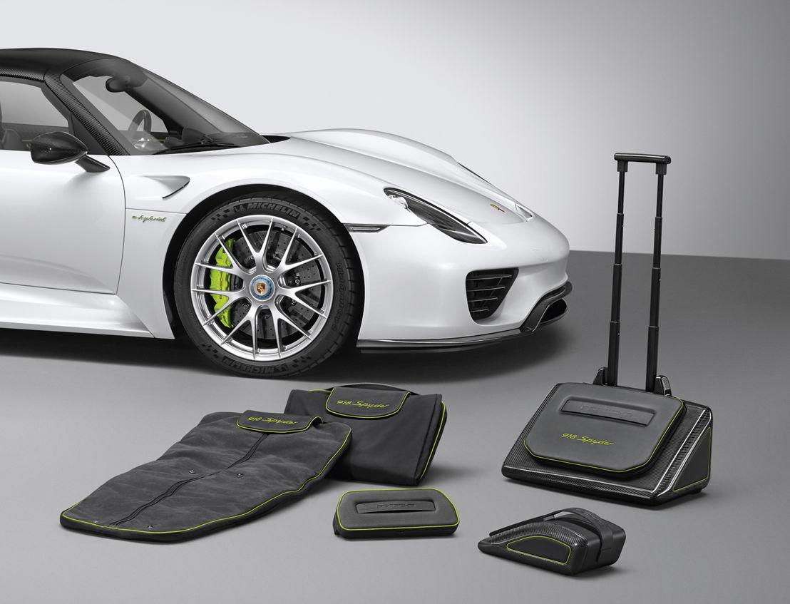 918 Spyder luggage set