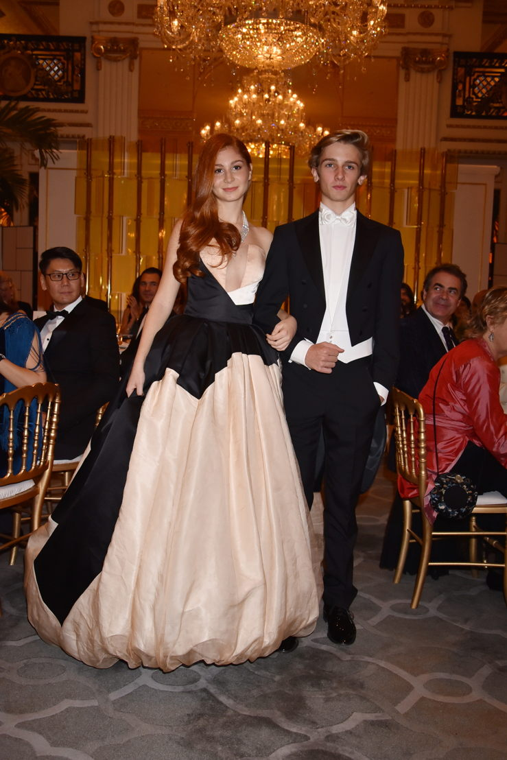 Marquise Altea Patrizi Naro Montoro (in Stephane Rolland HC and jewelry by Payal New York) with her cavalier Paul Lenain, Photo by Jean Luce Huré