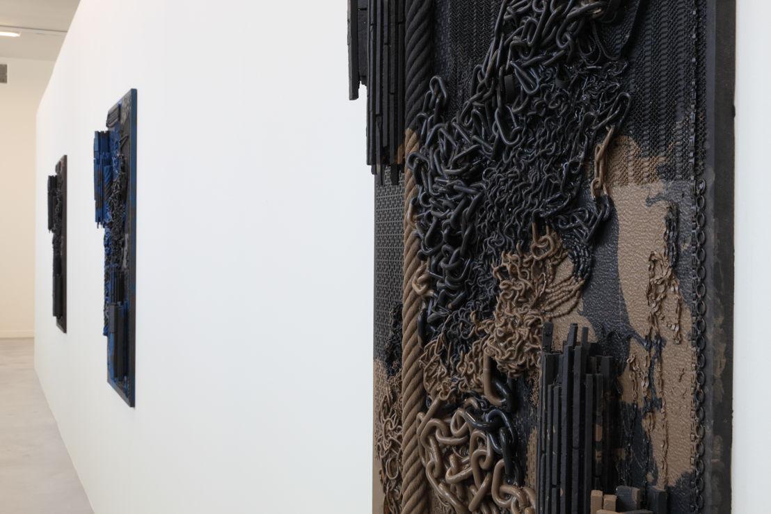 Isabelle Cornaro, Orgon Doors I, 2013<br/>© de kunstenaar &amp; M-Museum Leuven / Dirk Pauwels