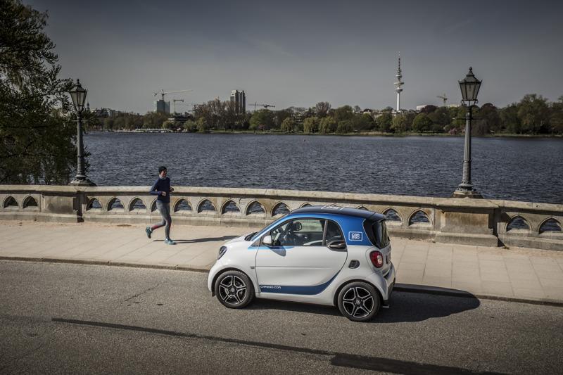 car2go_smart453_waterfront.jpg