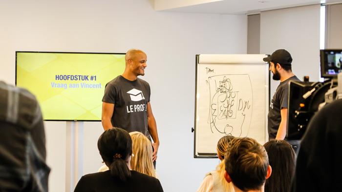 Preview: Exclusief - VIDEO: Vincent Kompany ontpopt zich tot leraar Nederlands