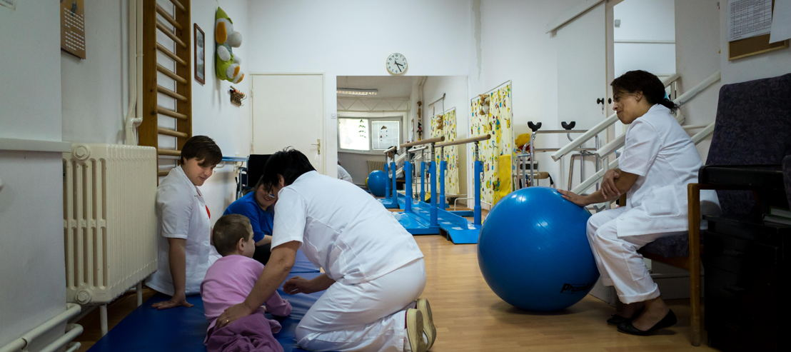 Andersvaliden-zorg in Servië (c) VRT