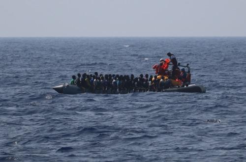 Audios en español y B-Roll sobre el estado de las 85 personas rescatadas ayer por el Ocean Viking