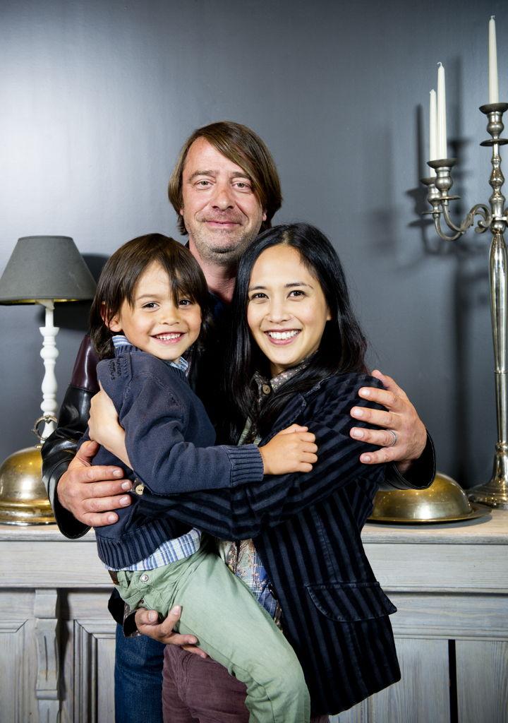 Frank en Julita met hun zoon Franky. <br/>Eigen kweek (c) VRT