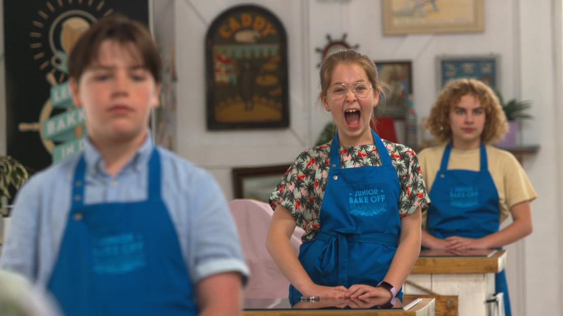 Jonge baktalenten nemen de baktent over en gaan de strijd aan in Junior Bake Off