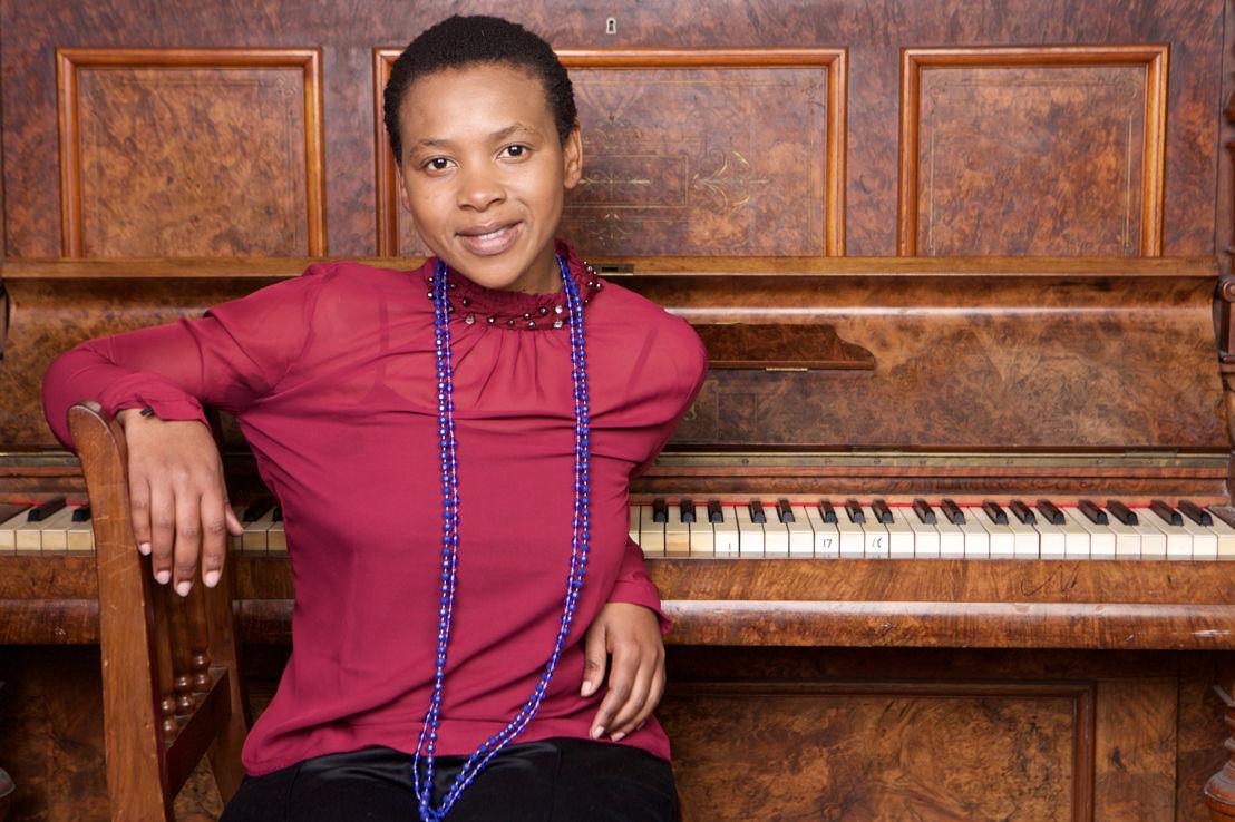 Siya Makuzeni - Standard Bank Young Artist Award-winner 2016 for Jazz - pic by Simon Diener