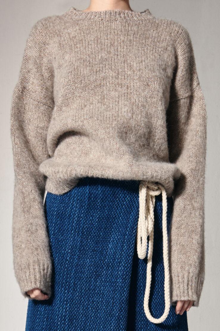 Crista Seya sweater 470 euro at Graanmarkt 13