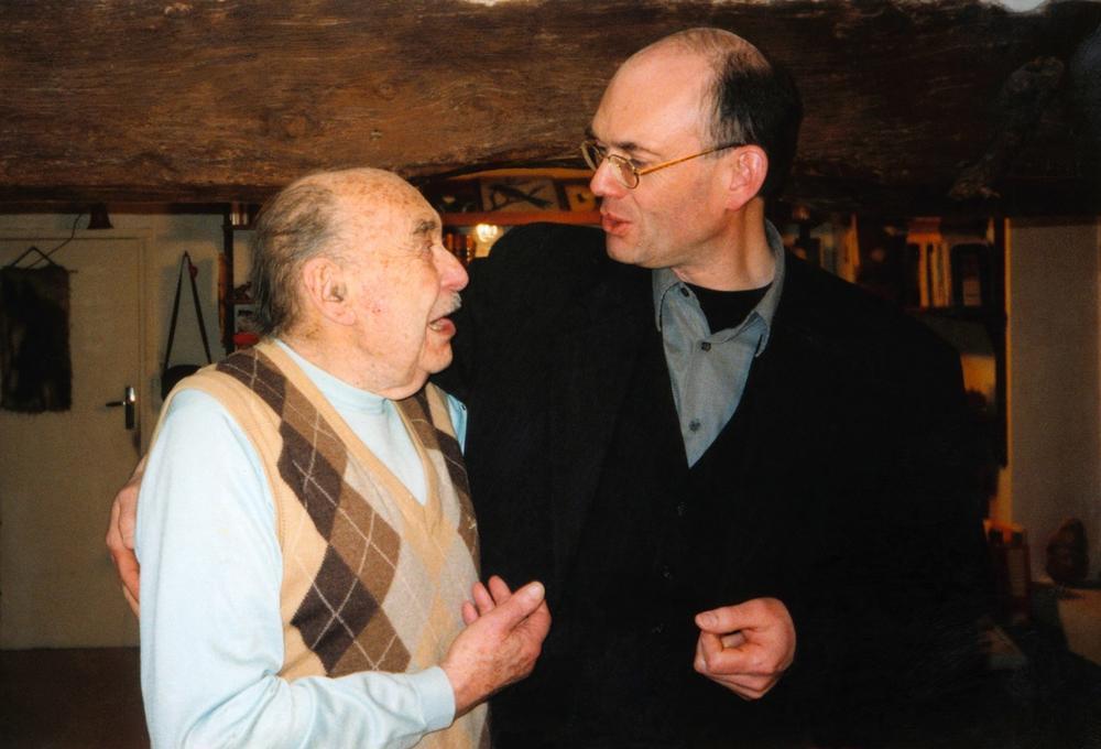 Justus Göpel et Paul Almasy chez lui à Auteuil-Le-Roi en 1995
