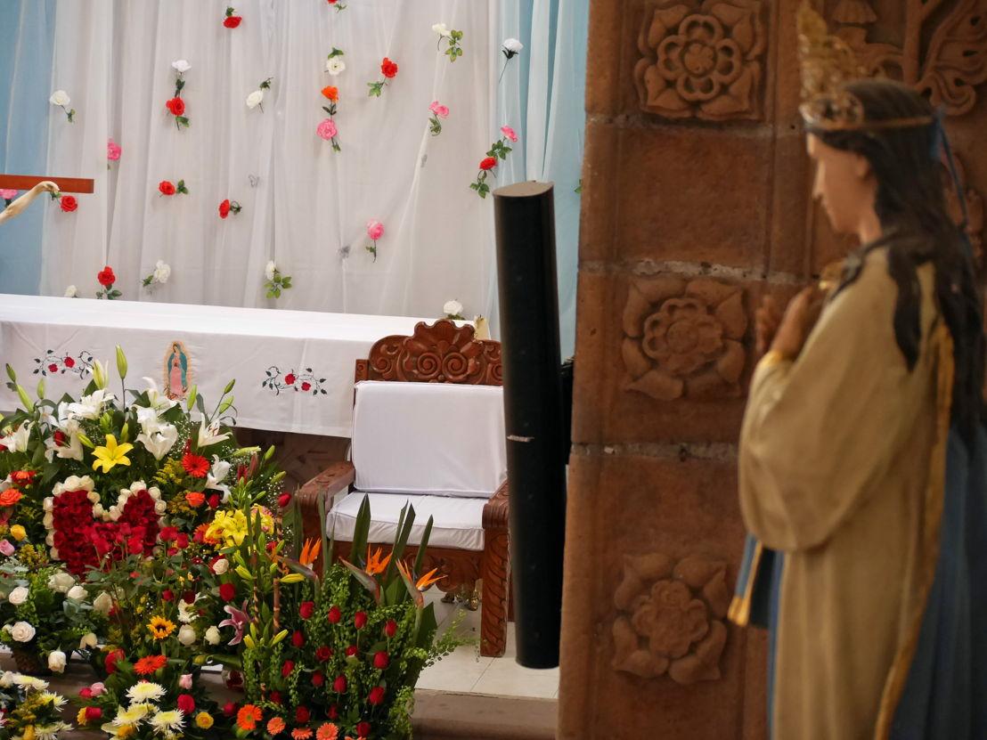 Altar de la Parroquia de Santa María de Guadalupe en Mixquiahuala, Hidalgo