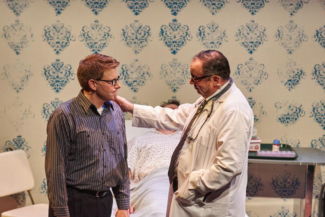 Will Bloom (Ben Thorpe) and Doctor Bennett (William S. Murphey)