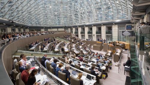 Actuadebat over de vernietiging regeling terugdraaiende teller voor eigenaars zonnepanelen