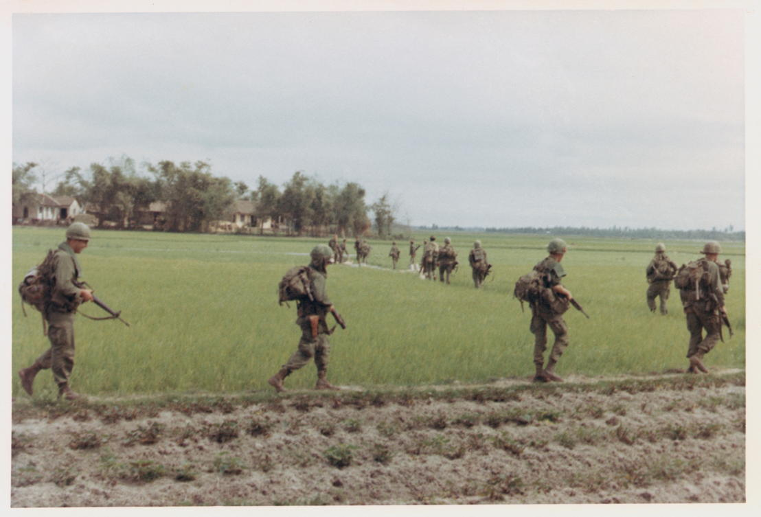 The Vietnam War - Aflevering 6: Amerikaanse patrouille 1st Cavalry Division 1968 - (c) Phili Gioia