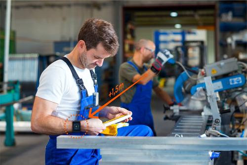 Port of Antwerp test slimme armband om coronabesmettingen op de werkvloer te voorkomen