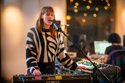 "Watch: Flock of Dimes & Special Guests Perform ""2 Heads"" in New Release from Moog Music"