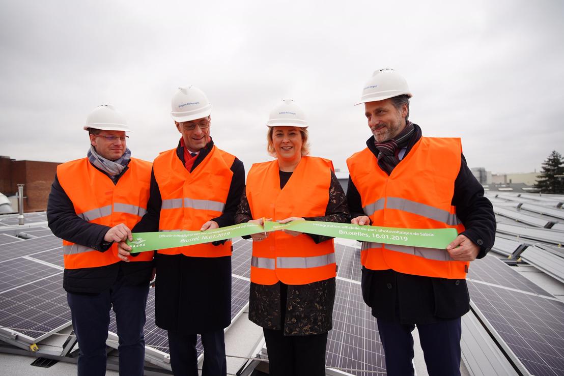 Minister Fremault huldigt zonnepanelenpark van 15.000 m² bij Sabca in