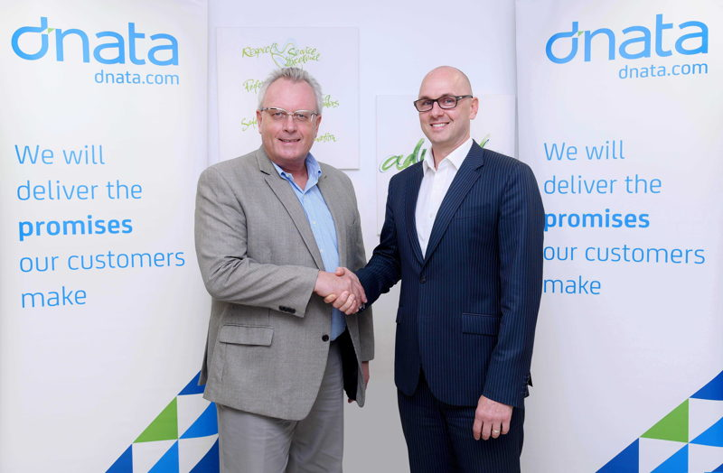 Bernd Struck – Senior Vice President Cargo & DWC Airline Services, dnata, with Michael Schneider CEO of the regional subsidiary of Siemens Postal, Parcel & Airport Logistics in Dubai