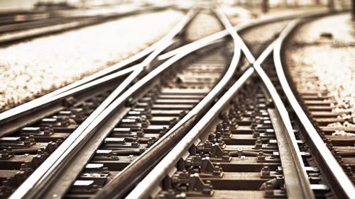 Eerste trein rijdt over spoorbrug Antwerpse Kieldrechtsluis