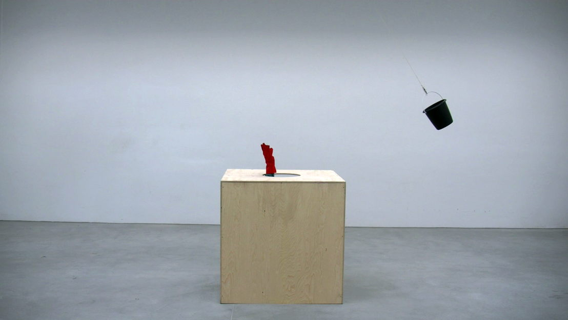 Roman Signer, Pendel (Pendulum), 2016 © Roman Signer - Video: Tomasz Rogowiec