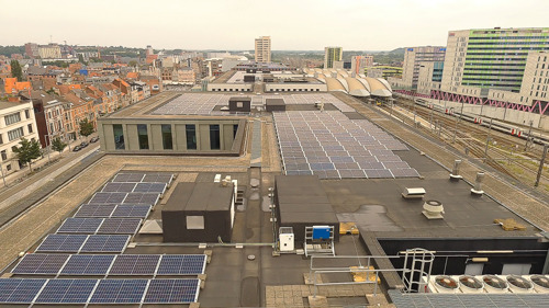 Insaver installs solar panels on the roof of the KBC building in the heart of Louvain