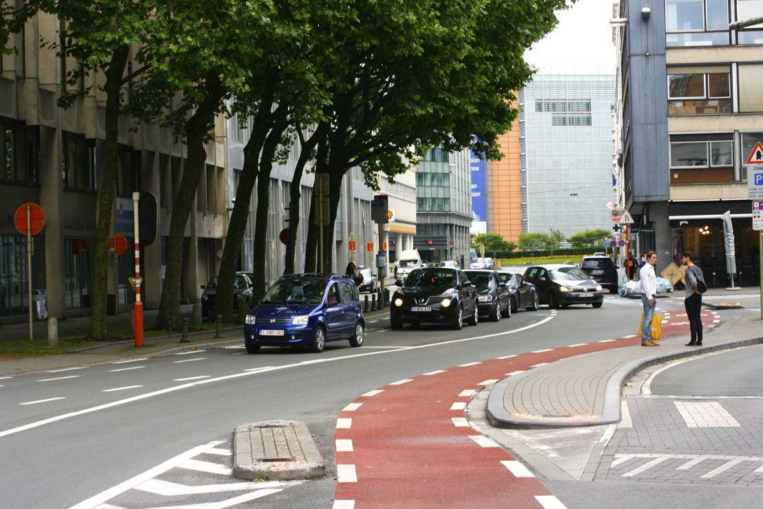 Piste cyclable carrefour Av. Auderghem - Avenue de la Joyeuse Entrée