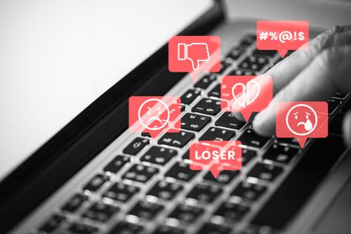¿Está creciendo el ciberacoso en 'millennials' y 'centennials'? 4 tips para prevenirlo